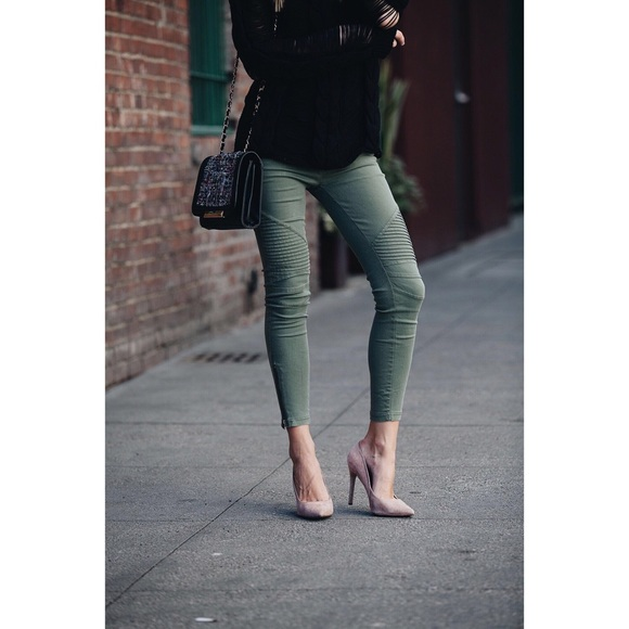 f95b633493df86 Preowned Vici piper jeggings in green/olive. M_5c62616c194dadf27a3ba028